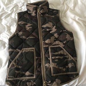 J.Crew M Camo Puffer Vest